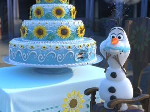 Nous avons en effet décidé de reproduire lun des étages de ce superbe gâteau et Olaf faisant le gourmand. Toujours dans lidée de trouver de nouvelles